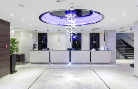 Die Beleuchtung in vielen Hotels ist sehr stilvoll