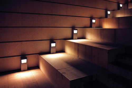 beleuchtung f r treppen sicherheit bei jedem schritt lampe magazin. Black Bedroom Furniture Sets. Home Design Ideas
