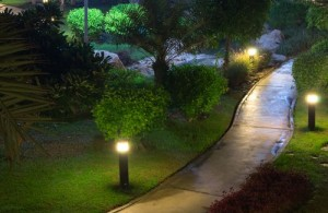 Pollerleuchten sind hervorragend zur Wegbeleuchtung geeignet.