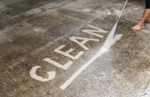Reinigung und Pflege von Gartenleuchten