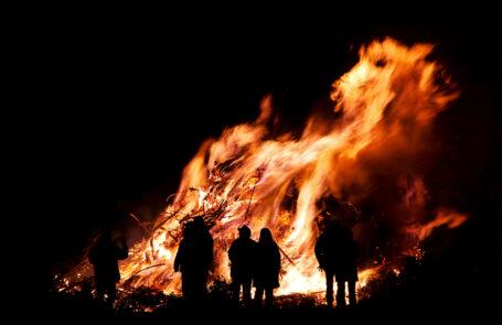 Ein traditionelles Fest das Osterfeuer