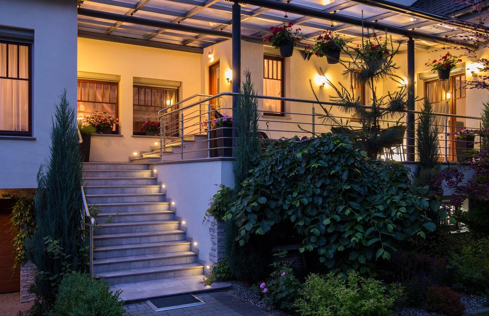 gutes terrassenlicht bringt viele vorteile lampe magazin. Black Bedroom Furniture Sets. Home Design Ideas