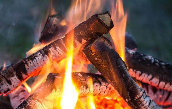 Natuerliche Lichtquelle Feuer