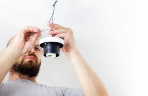 lampe-anschließen_lampe-montieren