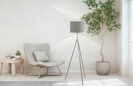 Eine Tripod Stehlampe aus unserem Onlineshop Lampe.de